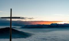 Warten auf den Sonnenaufgang auf Rigi Kulm. (Bild: Stefan Kunz)