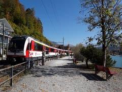 Die Zentralbahn, aufgenommen in Brienz. (Bild: Bruno Ringgenberg, 21. Oktober 2018)