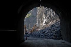 Blick auf den Steinbruch Zingel aus dem fertigen Zugangsstollen. (Bild: Corinne Glanzmann, Kehrsiten, 16. Oktober 2018)