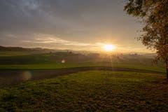 Das Lauchetal im Sonnenuntergang - aus Richtung Affeltrangen aufgenommen. (Bild: Thomas Segenreich)