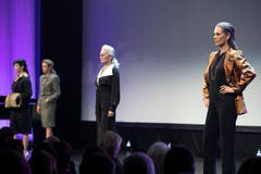 Neuste Mode, präsentiert im KKL Luzern. (Bild: Pius Amrein, 24. Oktober 2018)