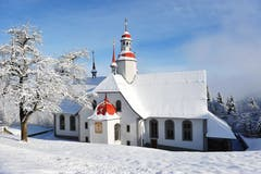 Die Kirche im Hergiswald in Kriens/Obernau. (Bild: Corinne Glanzmann, 27. Dezember 2010)