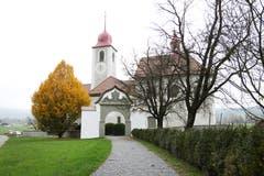 Die barocke Kirche St. Jost in Blatten bei Malters gilt als einzigartiges Kleinod. (Bild: Manuela Jans-Koch, 8. November 2011)