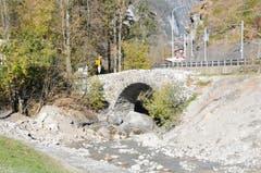 Hochwasserschutzprojekt Engelbergraa. Bei der Schwybogenbrücke endet die zweite Etappe. (Bild: Philipp Unterschütz, Engelberg, 26. Oktober 2018)