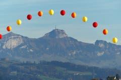 Bunter Bogen über dem hohen Kasten, aufgenommen oberhalb von Abtwil. (Bild: Wolfgang Ponader)