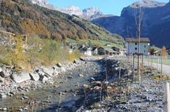 Hochwasserschutzprojekt Engelbergraa: Fertig gestellter Bereich unteres Rohr mit Bepflanzung. (Bild: Philipp Unterschütz, Engelberg, 26. Oktober 2018)