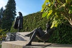 Das Grabmal des Luzerner Bildhauers Rolf Brem (1926–2014) und seiner Frau Françoise Brem-Colfs (gest. 1983) wurde 2016 als Beispiel eines künstlerisch wertvollen Grabmals der Gegenwart ausgezeichnet.