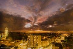Sehr ungewöhnlicher und schöner Abendhimmel über Arbon. (Bild: Regina Rosin)