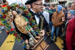 Mit einer Statue werden Spenden gesammelt. (Bild: Edi Ettlin (Buochs, 28. Oktober 2018))
