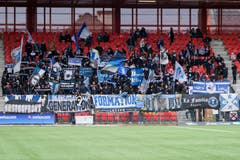 Zahlreiche mitgereiste FCL-Fans unterstützen ihr Team. (Bild: Martin Meienberger/freshfocus (Neuenburg, 28. Oktober 2018))