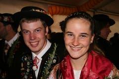 Angelina Gisler und Simon Odermatt geniessen das Fest.