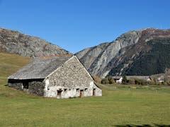 """Dieser herrliche """"Stein-Gadä"""" passt perfekt in diese, noch lange hoffentlich schützenswerte Umgebung. Bild: Margrith Imhof-Röthlin (Andermatt, 8. Oktober 2018))"""