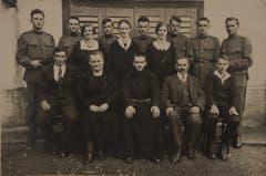 Familienbild vom 25. September 1930 im Rahmen der Ordensprofess von Sohn Adolf (Mitte). (Bild: PD)