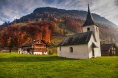 Die Sankt-Sebastian-Kapelle im Dörfli bei Wolfenschiessen am Fusse des Wellenbergs. (Bild: Caroline Pirskanen (Wolfenschiessen, 10. November 2018))