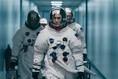 Der Spielfilm «First Man» zeigt Neil Armstrongs Reise zum Mond im Juli 1969 aus nächster Nähe. Ein klaustrophobisches und nervenaufreibendes Drama zwischen Cockpit und Wohnzimmer. Der Film erzählt von all den kleinen Schritten, die nötig waren, um diesen historischen Moment zu erreichen. Hollywoodschauspier Ryan Gosling ist die perfekte Besetzung für die Rolle des in sich verschlossenen Armstrong. Bild: Daniel McFadden/AP