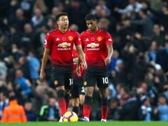 Die Wende blieb dieses Mal aus. Jesse Lingard (links) und Marcus Rashford enttäuscht über die Niederlage mit Manchester United (Bild: KEYSTONE/AP/DAVE THOMPSON)