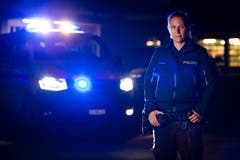 Sabrina Schmitter ist seit vier Jahren als Polizistin für die Kantonspolizei St.Gallen im Einsatz. (Bilder: Raphael Rohner)