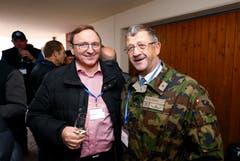 Im Bild: Karl Walker, Polizeikommandant Zuger Polizei und Oberst im Generalstab Hans Wyrsch. (Bild: Stefan Kaiser (Zug, 15. November 2018))