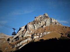 Auch wenn dieser Berg Hahn heisst, kräht er nicht, aber dieser Bilderbuch-Tag in Engelberg bleibt in Erinnerung wie ein unvergessliches Gedicht. (Bild: Margrith Imhof-Röthlin (Engelberg, 15. November 2018))