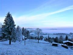 Heute im Eigenthal war eine wunderbare winterliche Morgenstimmung über der Landschaft zu sehen. (Bild: Urs Gutfleisch (Eigenthal, 21. November 2018))