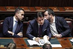 Im Streit um Italiens Haushaltspläne hat die EU-Kommission den Weg für ein Defizitverfahren mit möglichen Sanktionen geebnet. Italien erfülle die EU-Anforderungen für den Schuldenabbau mit seinem Budget für 2019 nicht, erklärte die Behörde. Bild: Giuseppe Lami/EPA