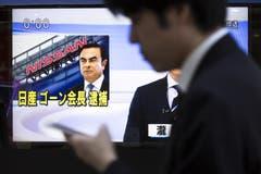 Der Autokonzern Nissan entlässt Spitzenmanager Carlos Ghosn. Der in eine Finanzaffäre verstrickte Verwaltungsratschef muss seinen Posten räumen. Der 64-Jährige war wegen des Vorwurfs des Verstosses gegen Börsenauflagen verhaftet worden. Bild: Tomohiro Ohsumi/Getty