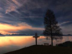 Sonnenuntergang über dem Rheintaler Nebel. (Bild: Toni Sieber)