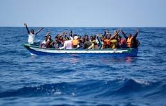 Die Schweiz stimmt dem UNO-Migrationspakt vorläufig nicht zu. Eine spätere Zustimmung schliesst der Bundesrat aber nicht aus: Laut Bundesrat dient der Pakt den Interessen der Schweiz, da dieser einen Rückgang der irregulären Migration anstrebe. Bild: Guglielmo Mangiapane/EPA