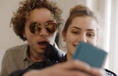 In seinem neuen Spielfilm «Glaubenberg» erzählt Thomas Imbach, ausgehend von seinen Erinnerungen, von der Liebe zweier Geschwister – bis der Wahn überhandnimmt. Der Film ist diese Woche in den Kinos gestartet. Bild: Frenetic