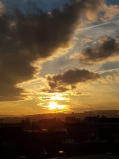 Sonnenuntergang über Sitterdorf. (Bild: Reto Schlegel)