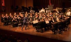 Die Feldmusik Knutwil mit Dirigent Gian Walker.