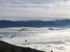 Abflug vom St. Anton ins Nebelmeer. (Bild: Renate Wachsmuth)