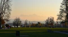 Seepark im Zauberlicht. (Bild: Walter Schmidt)