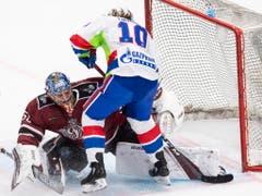Rigas Keeper Kristers Gudjevskis verhindert einen weiteren Treffer für St. Petersburg. (Bild: KEYSTONE/ENNIO LEANZA)