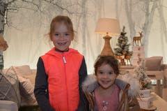 Anina Betschart, Oberarth: Meine kleine Schwester und ich wünschen uns ein richtiges Pony vom Christkind. Das könnte dann bei uns im Tierpark Goldau im Stall wohnen. Auf meinem Wunschzettel ist auch ein Bastelset, um selber Ketteli zu machen. Ich schenke auch gerne, darum habe ich meinen Eltern im letzten Jahr eine selbst gebastelte Schneekugel gegeben. (Bild: Antonio Russo)
