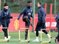 Auf Paul Pogba, hier im Abschlusstraining Manchesters, müssen die Young Boys heute Abend besser aufpassen als im Hinspiel in Bern (Bild: KEYSTONE/AP PA/RICHARD SELLERS)