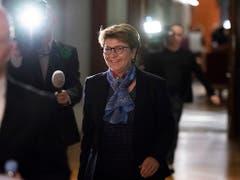 Die Walliser CVP-Bundesratskandidatin Viola Amherd ist unterwegs zu den Grünliberalen. (Bild: KEYSTONE/ANTHONY ANEX)