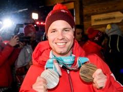 Beat Feuz gewann an den Olympischen Winterspielen in Südkorea Silber im Super-G und Bronze in der Abfahrt. Dazu sicherte sich der 31-jährige Emmentaler im Weltcup die kleine Kristallkugel in der Disziplin Abfahrt. (Bild: KEYSTONE/JEAN-CHRISTOPHE BOTT)