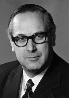 Der Zuger Hans Hürlimann (1918-1994), hier auf einem Bild von 1980, sass zwischen 1973 und 1982 für die CVP und als zweiter Zuger Politiker im Bundesrat. Zuvor war er Kantons-, Regierungs- und Ständerat. Der Schriftsteller Thomas Hürlimann ist sein Sohn. (Bild: Keystone)