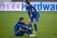 Auch Luzerns Idriz Voca (links) und Otar Kakabadze zeigen sich konsterniert nach dem Spiel. (Bild: Marcel Bieri/Keystone (Luzern, 4. November 2018))