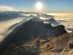 Nebelmeer um den Säntis. (Bild: Margrith Scheiwiller)