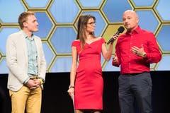 Finalisten Oliver Mattmann und Daniel Odermatt, Chefs der Leancom GmbH, im Gespräch mit Annina Campell.