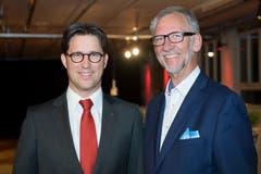 Oliver Britschgi, Vorsitzender Bankleitung Raiffeisen Obwalden, und John de Haan, Präsident Gewerbeverband Obwalden.