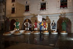 Karnöffelzunft präsentiert Fasnachts - Figuren aus Holz im Städtli Willisau. Bild: Corinne Glanzmann (Willisau, 27. Oktober 2018)