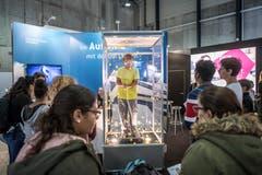 Auch die Universität Luzern betreibt einen Informationsstand an der Zebi. (Bild: Pius Amrein, 8. November 2018)