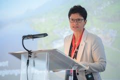Frau Landammann Maya Büchi überbringt die Grüsse des Obwaldner Regierungsrates. (Bild: Boris Bürgisser, Sachseln, 9. November 2018)
