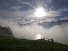 Heute Morgen vom Bürgenstock aufgenommen sieht man das Nebel- und Wolkenspektakel über dem Vierwaldstättersee. (Bild: Urs Gutfleisch, 9. Oktober 2018)