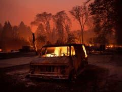 Fünf Menschen kamen durch die Waldbrände in Paradise in ihren Autos ums Leben - sie hatten versucht, den Flammen zu entkommen. (Bild: KEYSTONE/FR34727 AP/NOAH BERGER)