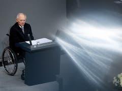 Bundestagspräsident Wolfgang Schäuble zum 9. November: «An diesem Datum verdichtet sich unsere jüngere Geschichte in ihrer Ambivalenz, mit ihren Widersprüchen und Gegensätzen.» (Bild: KEYSTONE/EPA/HAYOUNG JEON)
