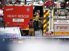 Zahlreiche Rettungskräfte am Tatort in Melbourne. (Bild: Keystone/EPA AAP/JAMES ROSS)